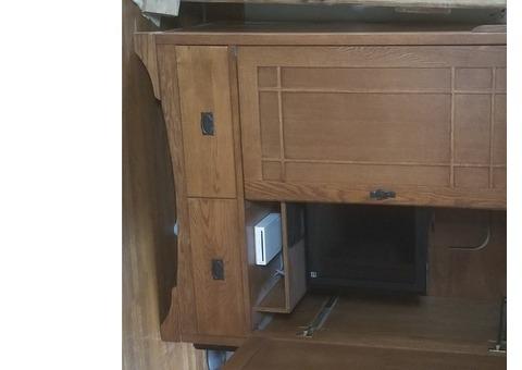 Solid oak cabinent